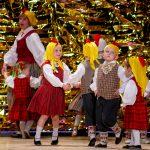 """Spoži pavadīts Jumpravas kultūras nama amatiermākslas kolektīvu koncerts """"Gada balva"""" (FOTO)"""